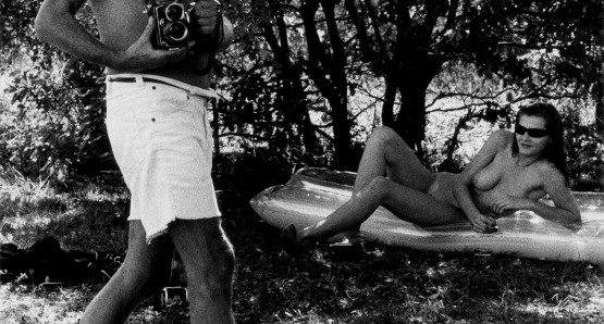 Helmut Newton and Sylvia Gobbel, Ramatuelle, 1981. Photo by Alice Springs.