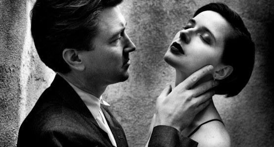 David Lynch and Isabella Rossellini, Los Angeles, 1988. Photo by Helmut Newton, courtesy Helmut Newton Foundation.