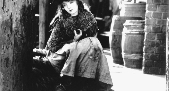 Lillian Gish in D.W. Griffith's BROKEN BLOSSOMS.