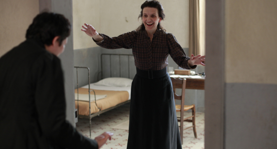 Alexandra Lucas as Mademoiselle Lucas and Juliette Binoche as Camille Claudel in CAMILLE CLAUDEL 1915, a film by Bruno Dumont.